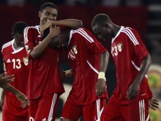 CAN 2012 kết thúc bảng B: Sudan lách qua khe cửa hẹp