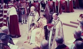 Nữ hoàng Anh Elizabeth lên ngôi như thế nào 60 năm trước?