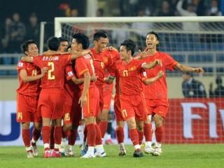 Đội tuyển Việt Nam trở lại top 100 thế giới, số 1 Đông Nam Á