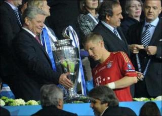 HOT: Sheva thay Di Matteo huấn luyện Chelsea?
