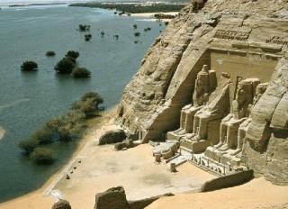 Ảnh hưởng của điều kiện tự nhiên đối với văn hóa Ai Cập và Lưỡng Hà