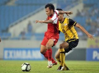 """<font size=""""2"""">ĐT Việt Nam đã thể hiện được một lối chơi hợp lý  khi đánh bại Malaysia 2-0 đầy ấn tượng tại Kuala Lumpur. Người ghi bàn  mang về thắng lợi cho đoàn quân HLV Phan Thanh Hùng là Công Vinh và  Thanh Hưng...</font>"""