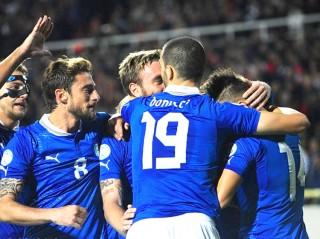 Italia thắng vất vả: Điều quan trọng là 3 điểm…