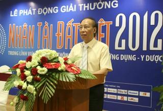 """<font size=""""2"""">Vào lúc 20h hôm nay, Lễ trao giải Nhân tài đất  Việt 2012 sẽ được tổ chức tại Cung Văn hóa Hữu nghị Việt - Xô. Sau 8 năm  liên tục, Giải thưởng nhận được sự quan tâm sâu sắc của lãnh đạo Đảng,  Nhà nước, giới khoa học và các tầng lớp xã hội.</font>"""