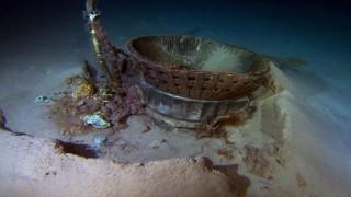Trục vớt động cơ tàu Apollo đưa người lên Mặt trăng
