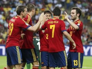 """<font size=""""2"""">Tây Ban Nha đã chơi một trận đấu đầy ấn tượng khi  đánh bại đối thủ yếu Tahiti 10-0 tại Maracana ở bảng B Confederations  Cup. Torres ghi 4 bàn, David Villa lập hattrick, các bàn thắng còn lại  thuộc về David Silva (2 bàn) và Juan Mata.<a href=""""http://dantri.com.vn/bong-da-quoc-te/lich-thi-dau-va-ket-qua-confederations-cup-2013-745326.htm""""><b></b></a></font>"""