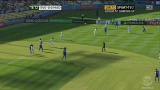 Everton 1-2 Real Madrid: Los Blancos chật vật giành chiến thắng