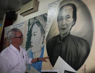 """<font size=""""2"""">Những lá thư gửi đi đã hơn 40 năm chưa đến tay  người nhận, bức họa người mẹ Việt Nam lưu lạc gần nửa thế kỷ ở nước  ngoài cuối cùng đã về Việt Nam... Giây phút nhận lại những kỷ vật  nhuốm màu thời gian ấy, khó ai có thể cầm lòng.</font>"""
