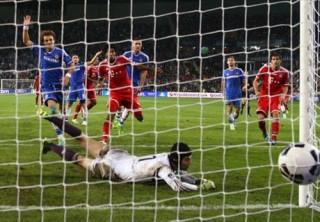 """Bayern 2-2 Chelsea (5-4 pen): Ngược dòng siêu ngoạn mục, """"Hùm xám"""" báo thù thành công"""