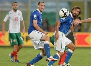 Tấm vé dự World Cup 2014 chờ đợi Italia, Hà Lan và Bỉ