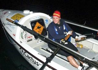 Cô gái đầu tiên chèo thuyền vượt Thái Bình Dương