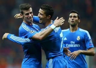 """<font size=""""2""""> Sau trận thua đau đớn Atletico, tâm lý các cầu  thủ Real Madrid đang có phần đi xuống. Giờ là lúc thầy trò HLV Ancelotti  cần đứng dậy đúng lúc và cuộc so tài với Copenhagen ở bảng C Champions  League đêm nay là cơ hội để Real Madrid giải tỏa sức ép.<a href=""""http://dantri.com.vn/the-thao/man-city-bayern-munich-dai-chien-tai-etihad-785520.htm""""><b></b></a><a href=""""http://dantri.com.vn/the-thao/shakhtar-man-united-di-vao-tam-bao-785470.htm""""><b><br></b></a></font>"""
