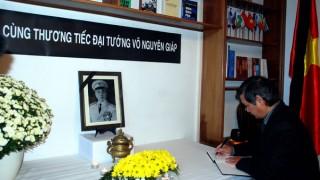 Người Việt ở các nước tưởng nhớ Đại tướng Võ Nguyên Giáp