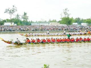 Nâng lễ hội đua ghe ngo thành Festival