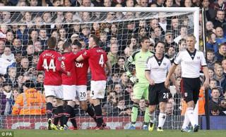 Rooney - Van Persie tỏa sáng, MU vượt qua ải Fulham