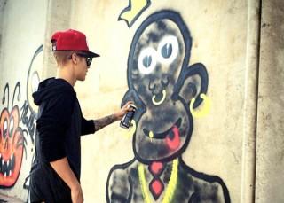 Justin Bieber bị khởi tố ở Brazil vì vẽ graffiti