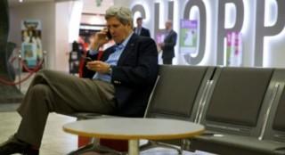 Máy bay đột ngột đổi hướng vì ông Kerry muốn gặp ông Lavrov