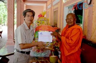 Nhiều đoàn thăm, chúc Tết Chol Chnam Thmay
