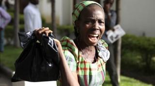 Xe bus Nigeria nổ tung vào giờ đi làm, ít nhất 35 người chết