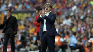 Tata Martino từ chức HLV sau khi Barcelona mất ngôi vô địch