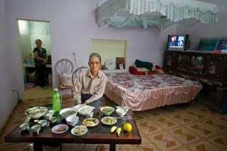 Bữa ăn của người Việt xuất hiện trong sách ảnh thế giới