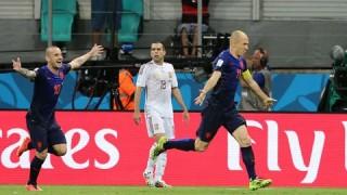 TBN 1-5 Hà Lan: Vùi dập nhà vô địch!