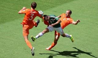 Ngược dòng siêu kịch tính, Hà Lan bay vào tứ kết