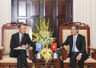 Thống đốc Nguyễn Văn Bình tiếp Chủ tịch Ngân hàng Thế giới