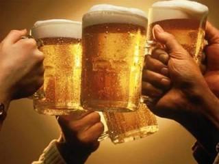 Cấm bán rượu bia sau 10h đêm: Người uống cũng phạt