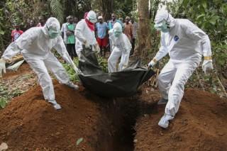 Thảm kịch tâm dịch Ebola qua lời kể người Việt