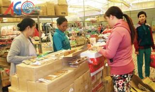 Người tiêu dùng với phiên chợ hàng Việt