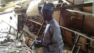 Đánh bom, xả súng tại trường học Nigeria, 15 người chết
