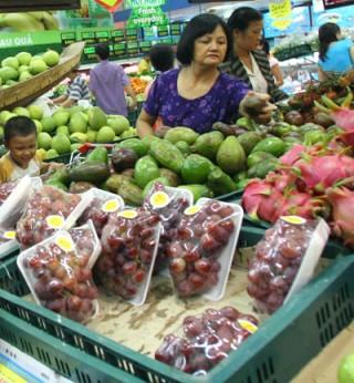 Hoang mang vì trái cây nhập khẩu tẩm chất độc