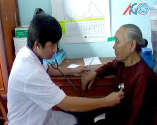 Học Bác, Bệnh viện Đa khoa Phú Tân nâng cao chất lượng khám, chữa bệnh
