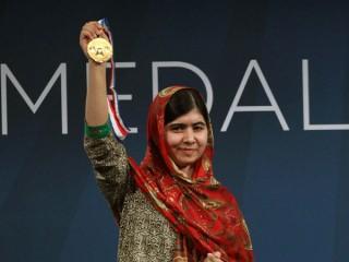 Malala nhận Huy chương tự do của Trung tâm Hiến pháp Mỹ