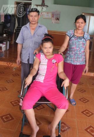Chuyện kinh ngạc ở Hà Giang: Sơn nữ đêm bình thường, ngày bại liệt