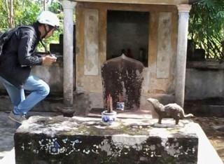 Phát hiện bia cổ Champa và linh vật lạ