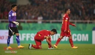 """Hàng thủ ĐT Việt Nam: Mãi là """"gót chân Achilles"""" của đội nhà"""