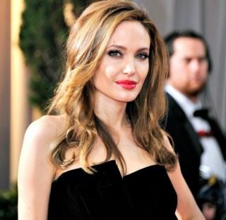 Hé lộ nhiều bí mật và cuộc sống tàn nhẫn tại Hollywood