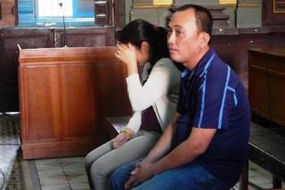 """TPHCM: Vợ chủ """"tập đoàn"""" mát xa kích dục Tân Hoàng Phát thoát án tù giam"""