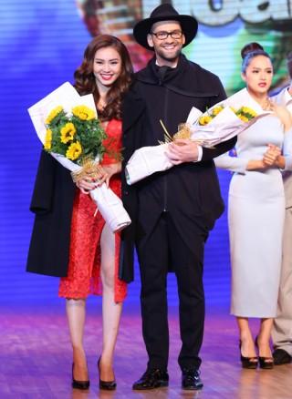 Bước nhảy hoàn vũ 2015: Chi Pu giành chiến thắng nhờ khán giả bình chọn