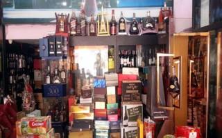 Đằng sau những chai rượu ngoại giá rẻ