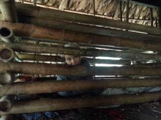 Người đàn bà 4 năm bị nhốt trong cũi ở Thanh Hóa