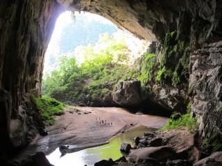 Đài Mỹ truyền hình trực tiếp từ hang Én, Quảng Bình