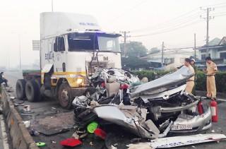 Tai nạn thảm khốc 5 người chết: Gia đình cho là do... định mệnh