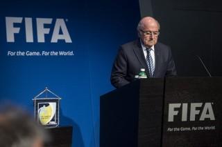"""Ghế chủ tịch FIFA """"nóng"""" sau sự ra đi của Blatter?"""