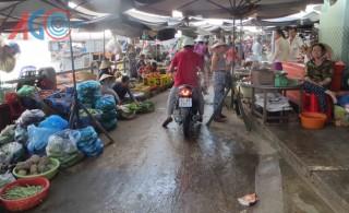 Kiến nghị của tiểu thương khi di dời vào chợ Long Xuyên
