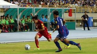 Tuyển Việt Nam may mắn đá bại Đài Loan