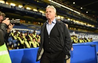 Chào Hiddink, tạm biệt Van Gaal?