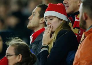 Arsenal thảm bại, lỡ cơ hội chiếm đỉnh bảng